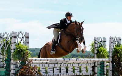 Caitlyn Shiels and Cassius Take 2nd at USHJA National Hunter Derby!